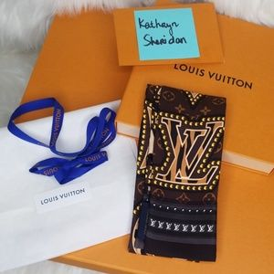 NWT LOUIS VUITTON WORLD BANDEAU M70853